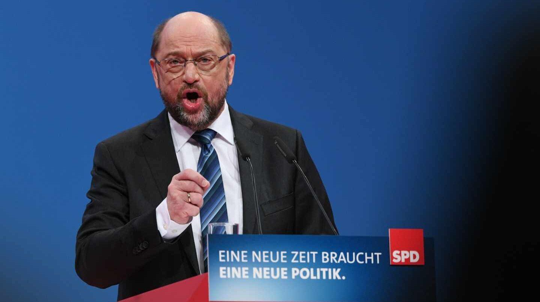 Martin Schulz, líder del SPD,se dirige a los socialdemócratas en el congreso de Bonn.