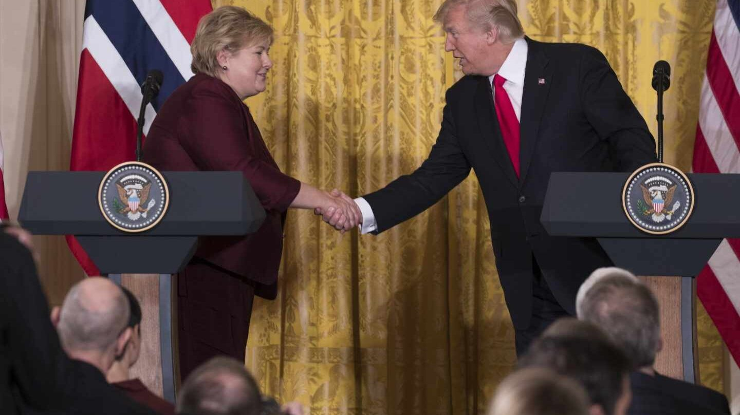 Donald Trump y la noruega Erna Solberg, en Washington.