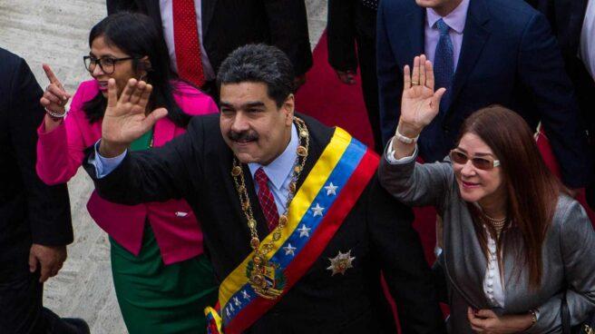 El presidente venezolano, Nicolás Maduro, y su esposa, Cilia Flores, en la Constituyente.