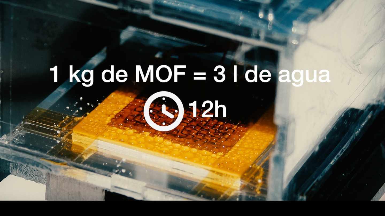 Gotas de agua retenidas por MOF al cabo de 12 h