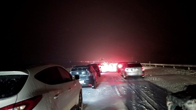 La AP-6 entre el kilómetro 42 y el 80, entre los municipios de San Rafael y Villacastín, la noche del atasco.