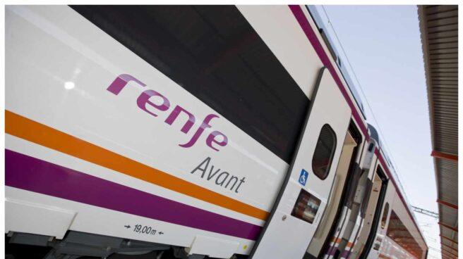 Tren Avant de alta velocidad estacionado.