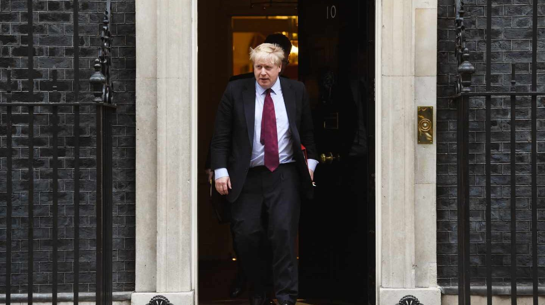 El antieuropeísta Boris Johnson encabeza la lista de aspirantes a suceder a Theresa May