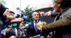 Las Corts piden a Camps que deje el Consejo Consultivo con la abstención del PP