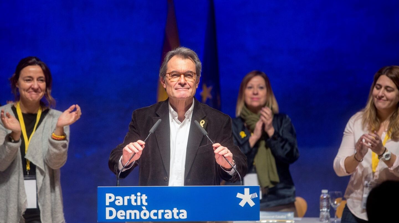 El expresidente del PDeCAT, Artur Mas, se despide del consell nacional de la formación.