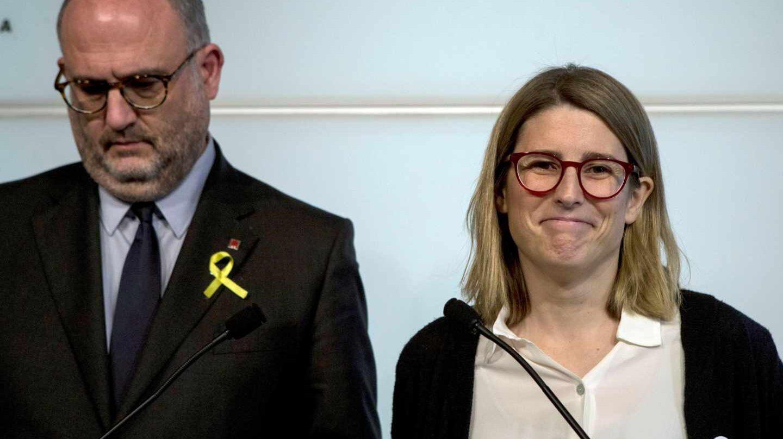 Eduard Pujol y Elsa Artadi, durante la rueda de prensa de este martes en el Parlament.