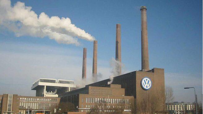 Denuncian a Volkswagen, BMW y Daimler por experimentar con humanos.