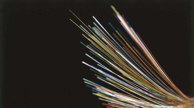 Cables de fibra óptica.