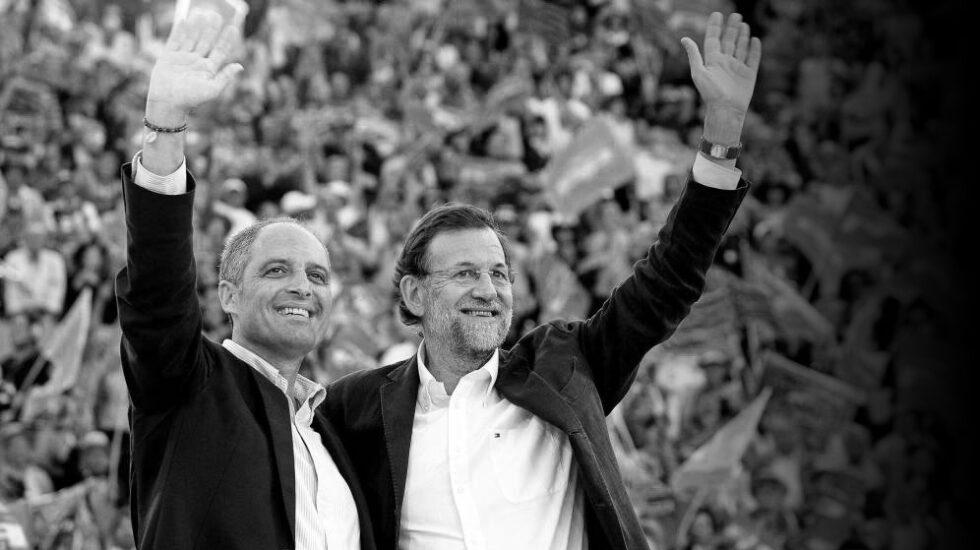 Francisco Camps y Mariano Rajoy durante un mitin en la Plaza de Toros de Valencia en 2011.