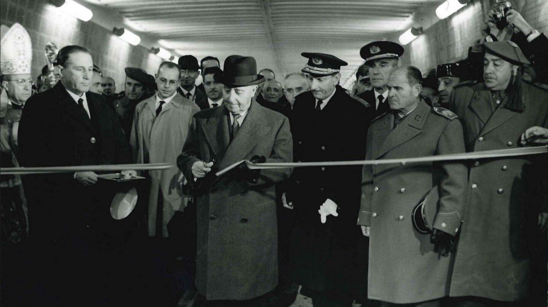 Franco inaugura el túnel de Guadarrama I
