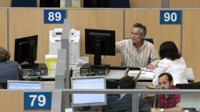 Funcionarios: gobierno y sindicatos sellan la subida salarial extra del 0,25% en julio