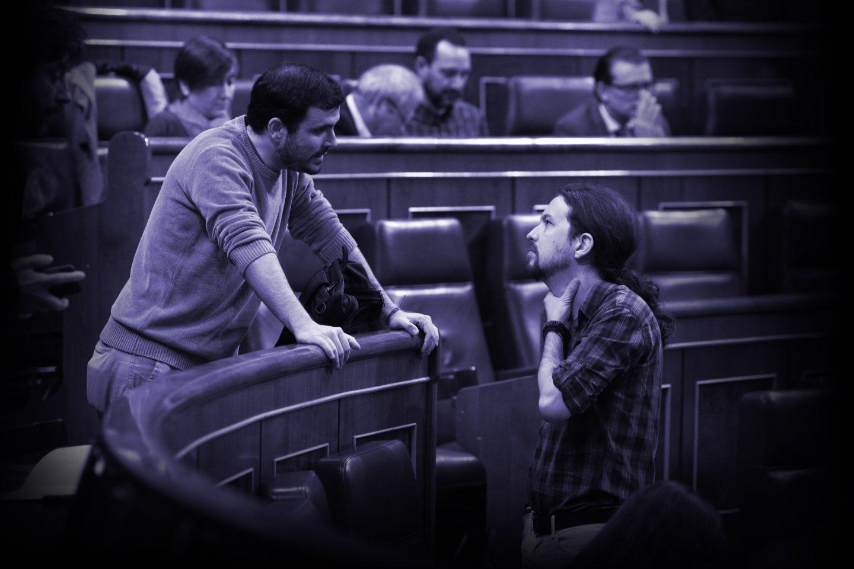 Alberto Garzón y Pablo Iglesias en el Congreso.