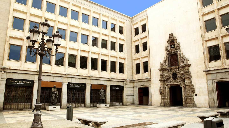 Casa de las Alhajas, sede histórica del Monte de Piedad, aledaño al Corte Inglés de Preciados y a Sol.