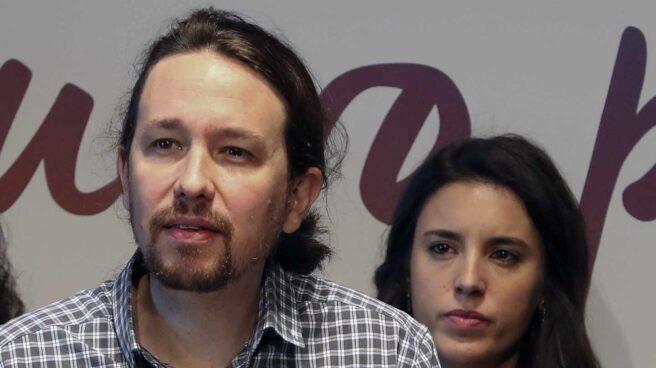 Pablo Iglesias e Irene Montero, durante una rueda de prensa.