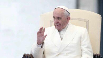 Un exdirector de cine y un exfutbolista serán ordenados sacerdotes por el Papa