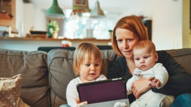 Una app hasta para saber por qué llora tu bebé: los 'parennials' ya están aquí