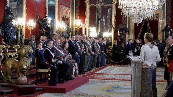 El Rey Felipe VI, junto a la Reina Letizia y los Reyes eméritos, Juan Carlos y Sofía, en la Pascua militar.