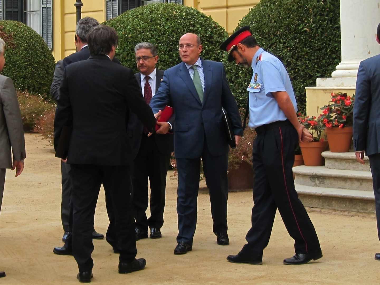 Pérez de los Cobos junto a Carles Puigdemont, Enric Millo y José Luis Trapero.