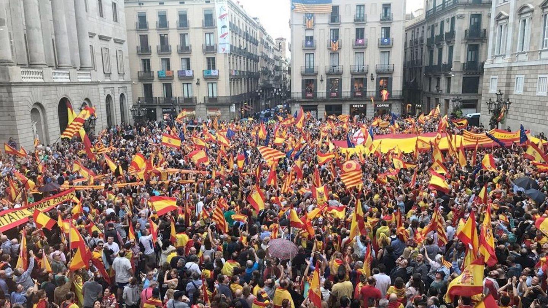 Pl. Sant Jaume, un día antes del 1-O de 2017