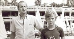 El Rey Juan Carlos I junto a su hijo, el entonces Príncipe Felipe.