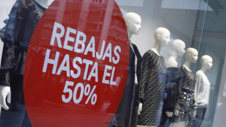 Los comerciantes detectan escasas ventas en los primeros días de rebajas.