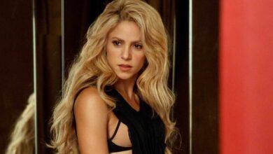 Shakira, como Dylan, a la venta.