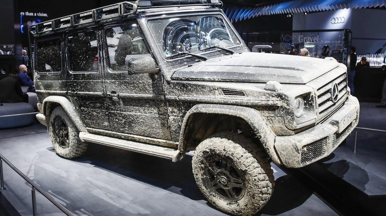 El vehículo SUV Mercedes Benz G Class, cubierto de barro
