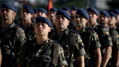 Gobierno y ayuntamientos pactan convertir militares en policías locales y funcionarios