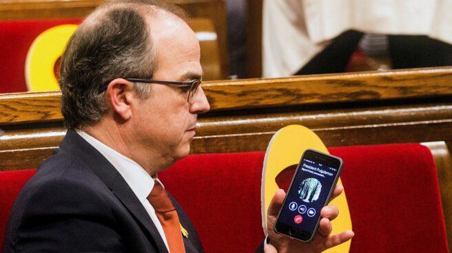 Jordi Turull recibe una llamada de Puigdemont tras la elección de Torrent de