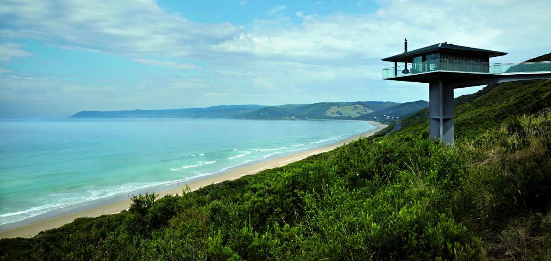 El menor impacto ambiental encuentra su solución al elevarse sobre una columna de trece metros con unas vistas entregadas a mar. Foto: Tanja Milbourne