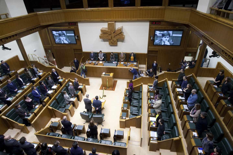 Pleno del Parlamento Vasco en Vitoria.