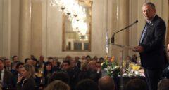 El consejero de Economía y Hacienda del Gobierno vasco, Pedr Azpiazu, durante su intervención hoy en Fórum Nueva Economía en Bilbao.
