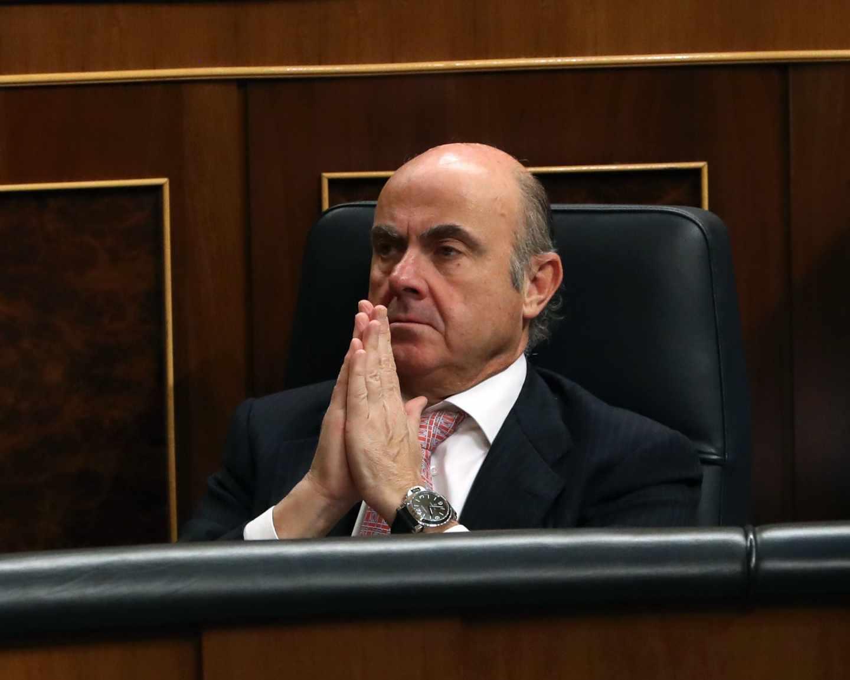 Guindos convencido de que el Eurogrupo le respaldará tras el voto en contra de la Eurocámara