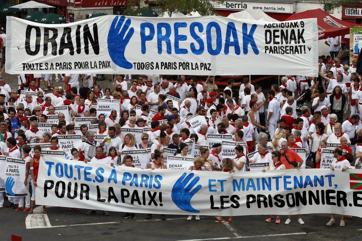 Manifestacion de apoyo a los mpresos de ETA celebrada en París el pasado mes de diciembre.