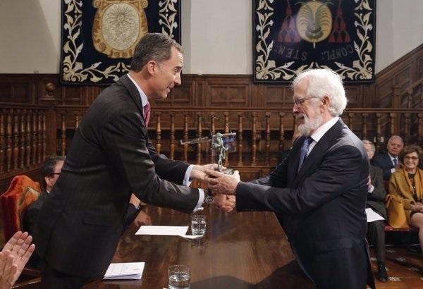 El Rey entrega a Antonio Fraguas Forges el Premio Iberoamericano de Humor