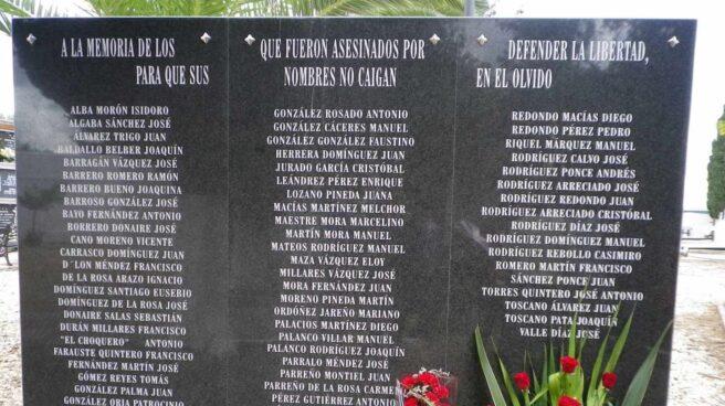 Monolito en memoria de las víctimas de la represión franquista.