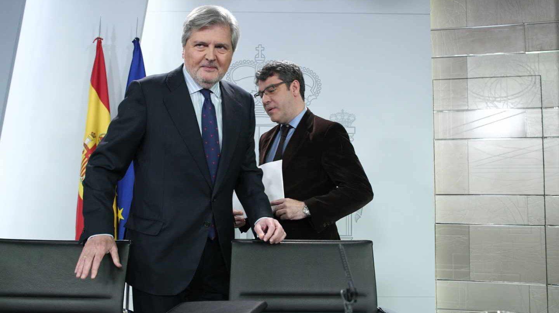 Íñigo Méndez de Vigo y Álvaro Nadal, en el Consejo de Ministros.