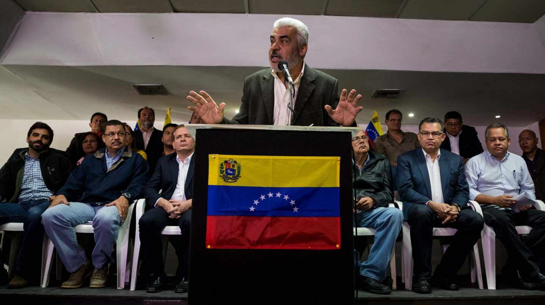 El opositor Angel Oropeza, en rueda de prensa en Caracas.
