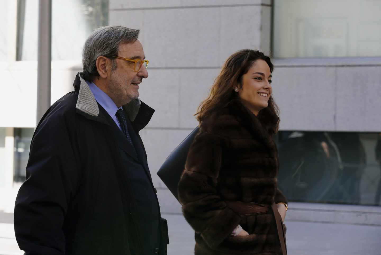 El ex presidente de Catalunya Caixa Narcís Serra, a su salida de la Audiencia Nacional.