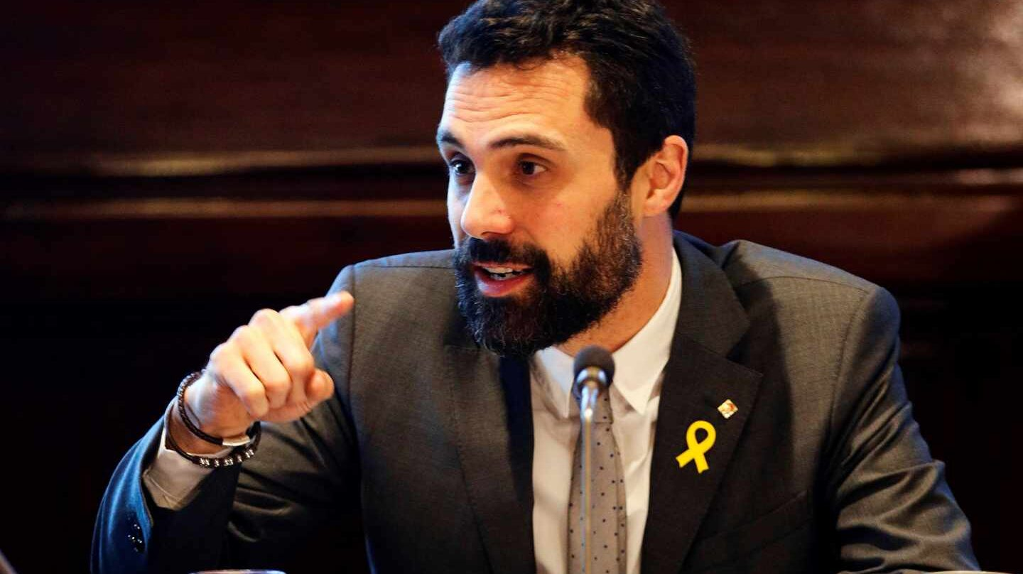 Roger Torrent preside la Mesa del Parlament.