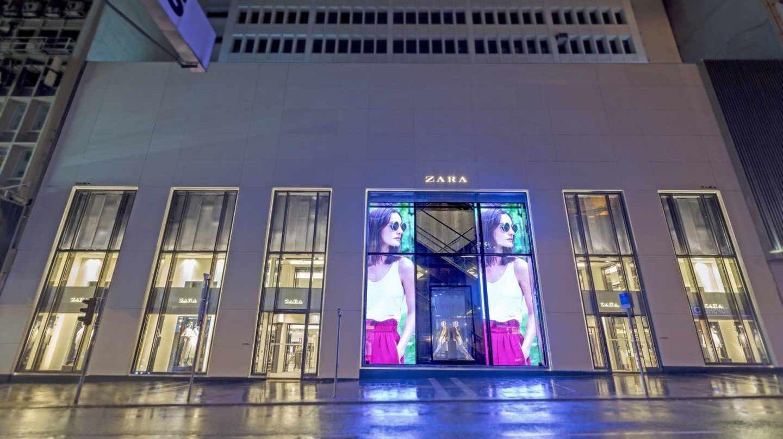 TODO  Revisar qué hace the post thumbnail creditos Los ocho meses negros de  Inditex. Tienda Zara ... 5cf17c7e312