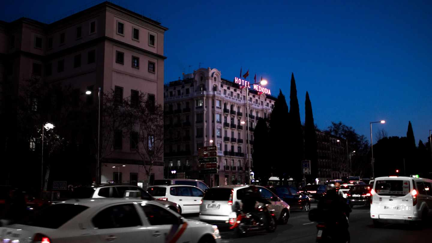 Colapso del tráfico en la estación de Atocha a primeras horas del día