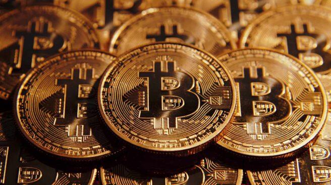 Lloyds prohíbe a sus clientes comprar bitcoin con sus tarjetas de crédito.