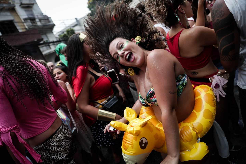 Millones de brasileños calientan las calles para disfrutar de su carnaval