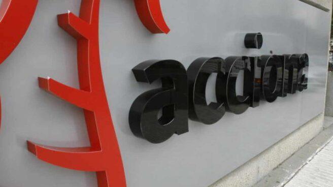 Logo de acciona en la sede de Madrid