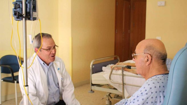 El cáncer pone en riesgo de exclusión social a 25.000 personas cada año en España.