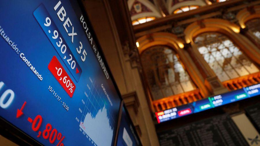 Los especuladores duplican en un mes sus apuestas contra la banca.