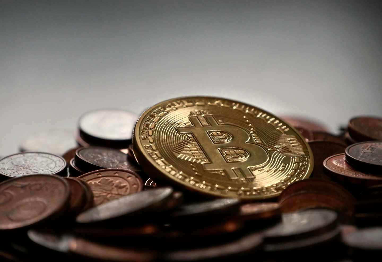 Las criptodivisas agudizan su caída y liquidan más de la mitad de su valor en un mes