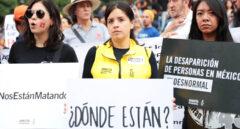 Manifestación de mujeres en México por los desaparecidos de Ayotzinapa