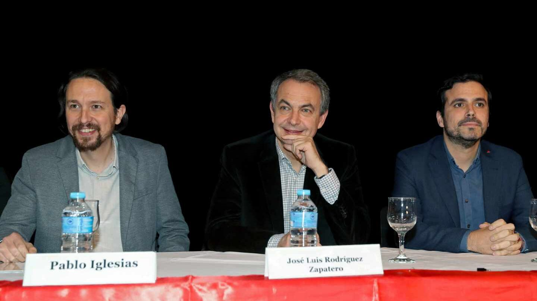 Pablo Iglesias, José Luis Rodríguez Zapatero y Alberto Garzón, en el acto de apoyo a Evo Morales celebrado en Madrid.